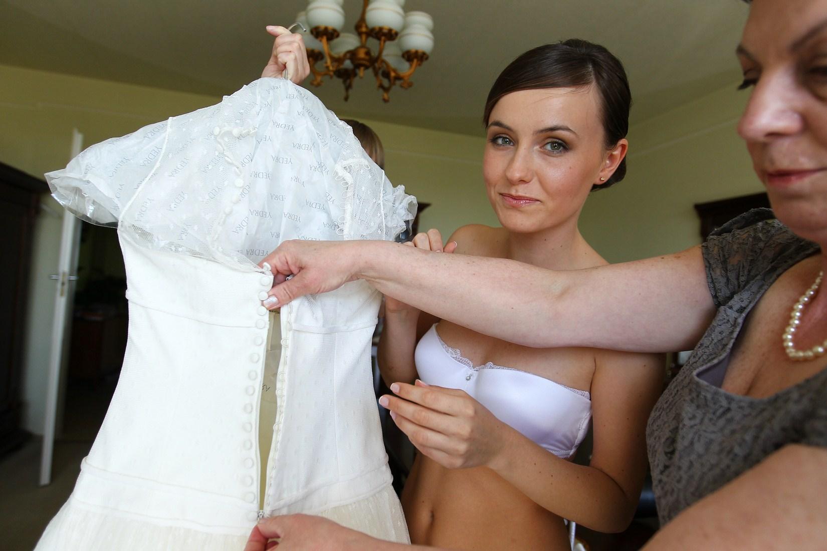 Bielizna do sukni z odkrytymi ramionami