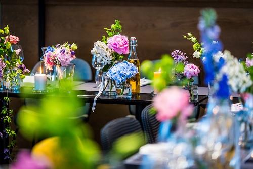 Wiosenne dekoracje na ślubie i weselu